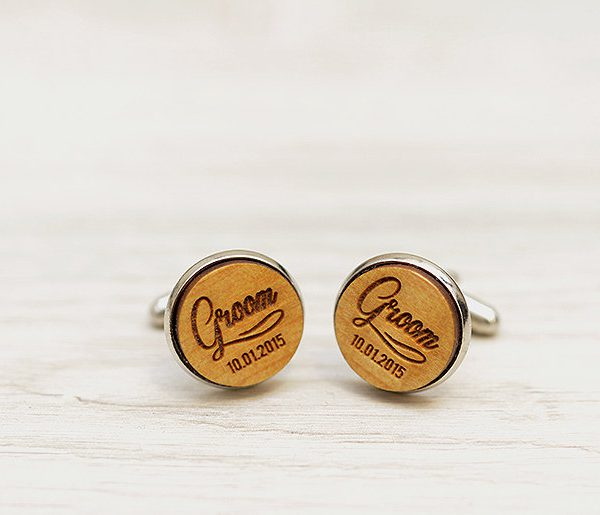 Personalized Wedding Cufflinks - GROOM & wedding date  - Very elegant wooden wedding ceremony cuff links