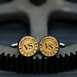 Wedding cuffliks, custom wooden cufflinks - Personalised Cuff Links - Monogram and date Groom Cufflinks